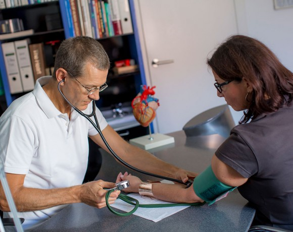 Long-term blood pressure monitoring